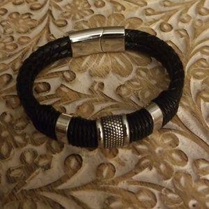 NWOT Mens Leather Bracelet